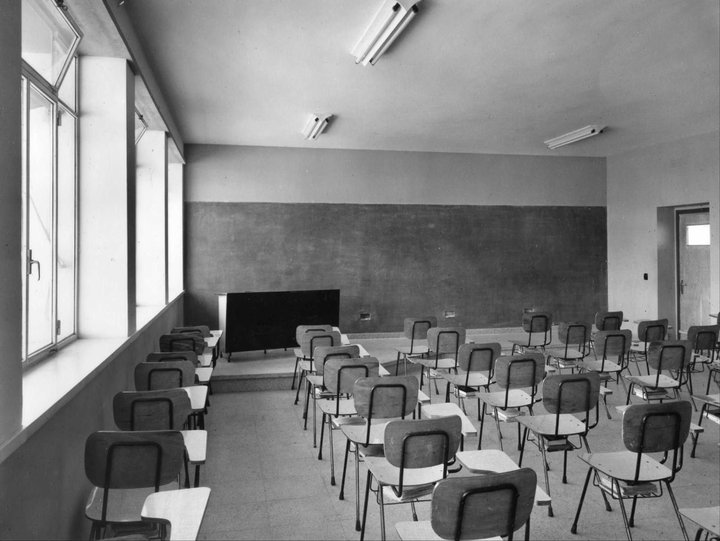 old-fashioned classroom